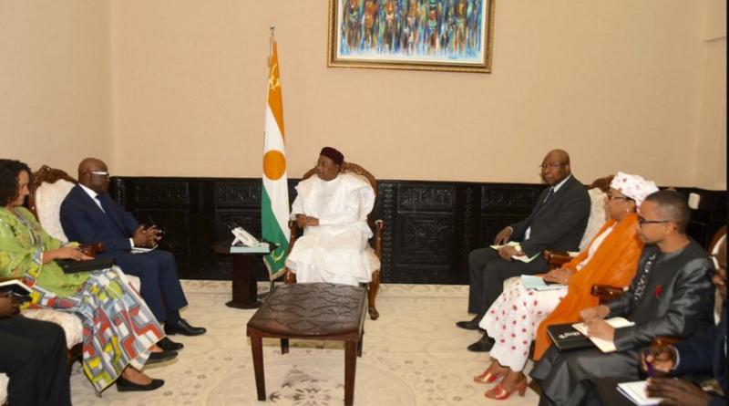 Le Président de la République reçoit l'Administrateur de la Banque Mondiale pour le Niger