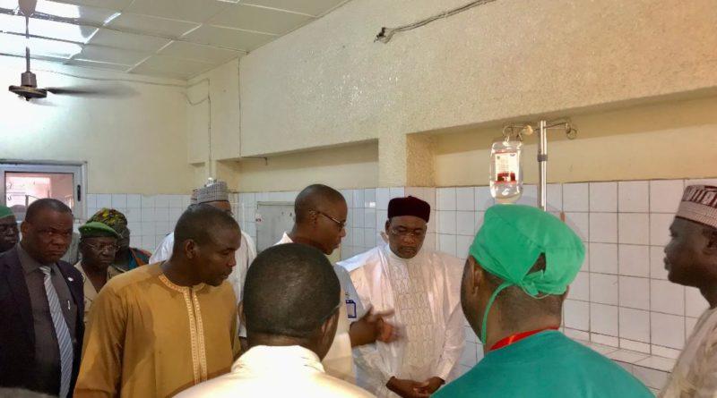 Explosion d'une citerne au quartier Aéroport de Niamey : Le Président Issoufou Mahamadou s'est rendu ce matin au chevet des blessés à l'Hôpital National de Niamey