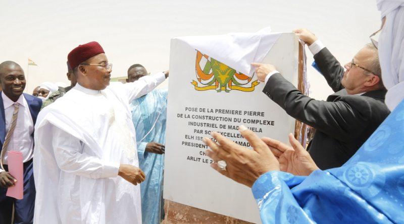 Le Président Issoufou Mahamadou a lancé mardi à Arlit les travaux de construction du complexe industriel uranifère de Madaouéla