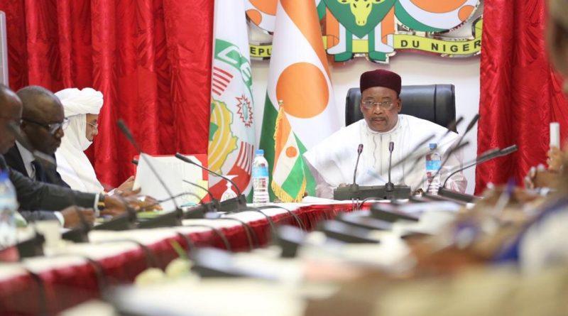Le Comité National chargé de réfléchir sur l'hymne National du Niger a fait jeudi le point de ses travaux au Président de la République