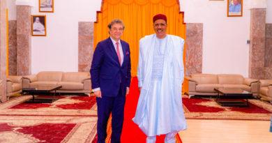 Le Président BAZOUM reçoit M. LOSADA REPRESENTANT DE L'UE POUR LE SAHEL