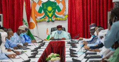 Le Président de la République, Chef de l'Etat, SEM Mohamed Bazoum, a présidé ce lundi 13 septembre 2021, une réunion sur les préparatifs de la rentrée scolaire et académique 2021-2022.